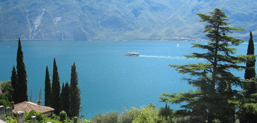 Chalet Hotel Galeazzi, Gardone Riviera, Lake Garda, Italy - boat trip.jpg